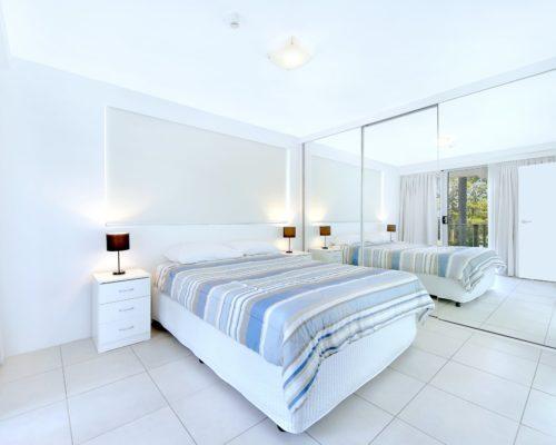 2-bedroom-unit-3-std-pacific-regis-resort-02